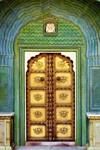 Cамые удивительные двери в мире (15 фото)