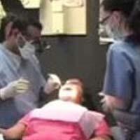 Женщина умерла после удаления 20 зубов за один раз