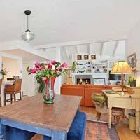 Миранда Керр купила дом на пляже Малибу
