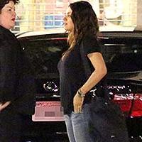 Мила Кунис впервые появилась на публике после родов