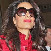 Жена Джорджа Клуни решила кардинально изменить его внешность
