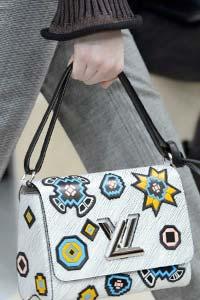 Тренд года - сумки со строгим очертанием (16 фото)