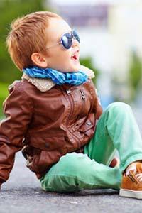 Как правильно одевать ребенка на прогулку ранней весной