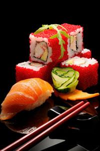 Японские ученые: суши может защитить от рака легких