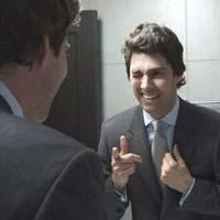 Чоловіки милуються перед дзеркалом, частіше за жінок