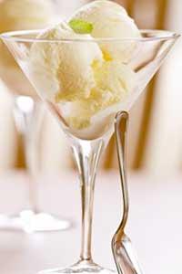 Победить жару: простой рецепт домашнего мороженого