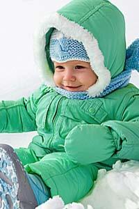 Здоровье ребенка зимой: как выбрать детский комбинезон