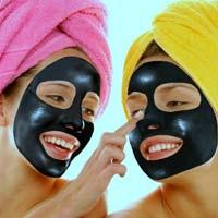 Маска з активованого вугілля - кращий засіб для проблемної шкіри