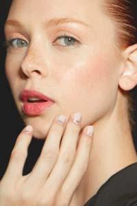 Сухая кожа лица: как распознать и правильно ухаживать?