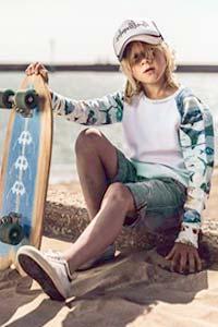 Яркое детство в модной одежде весна-лето 2016