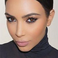 Сендбаггінг - новий тренд в макіяжі від Кім Кардашьян (фото)