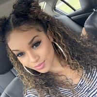 Подвійний пучок - трендова зачіска літа в стилі IT (фото)