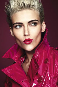 Сенсационно смелые и яркие губы – с жидкой лаковой губной помадой The ONE Lip Sensation