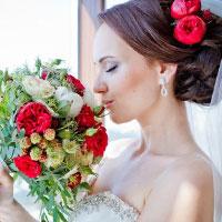 17 модних весільні зачісок з фатою (фото)