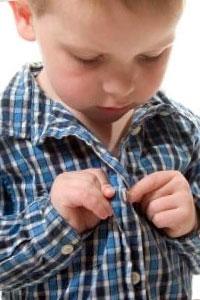 Как правильно учить ребенка одеваться?