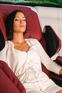Массажное кресло улучшает самочувствие и здоровье спины
