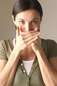 Як усунути неприємний запах з рота?