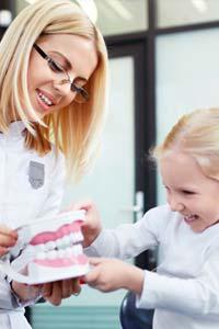Как научить ребенка не бояться стоматолога