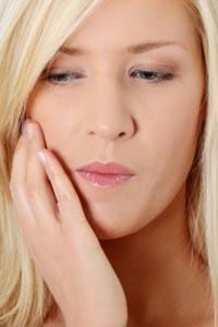 Как снять зубную боль до посещения стоматолога