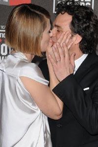 Скільки коштує поцілунок знаменитості