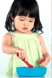 Как выбрать посуду для детей