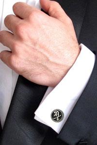 Именные запонки с инициалами - лучший подарок для мужчины
