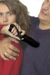 Эффективные средства индивидуальной защиты для девушек