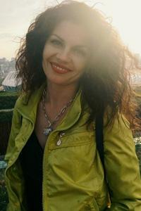 Как стать косметологом с нуля: Юлия Швера о карьере косметолога для начинающих