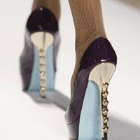 Высокие каблуки вредны. Правильный подход к высоким каблукам