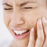 Что нужно делать, если сломался зубной протез