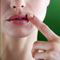 Народные рецепты лечения простуды на губах