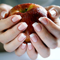 Учимся правильно ухаживать за ногтями