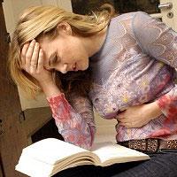 Народные советы, как облегчить болезненные месячные
