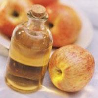 8 способів використання яблучного оцту для краси