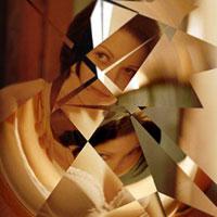 Незнакомка: путь к себе начинается со смелости заглянуть в зеркало собственной сущности