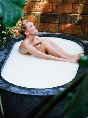Все о порнозвезде ваннах стерлинг и ее фото, подруги суют в жопу бильярдные шары