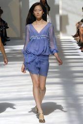 Авторский комментарий: Модные фасоны платьев.