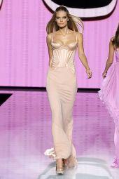 1, 2 платье - ALBERTA FERRETTI, 3 - GIANNI VERSACE.