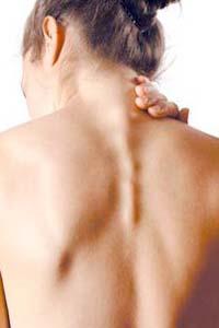 5 причин вугрового висипу на спині