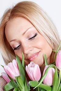 Советы мужчинам: выбираем подарок супруге на 8 Марта